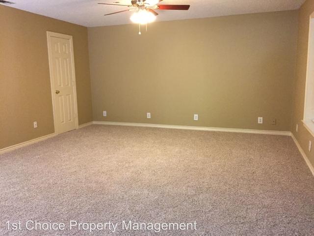 3 Bedrooms, Monticello Rental in Dallas for $2,095 - Photo 2