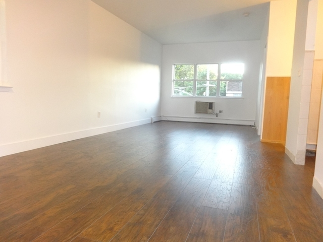 3 Bedrooms, Bushwick Rental in NYC for $2,499 - Photo 2