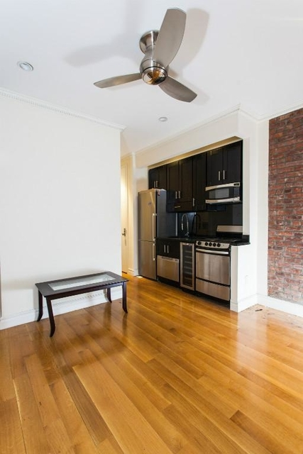 3 Bedrooms, Murray Hill Rental in NYC for $4,395 - Photo 2