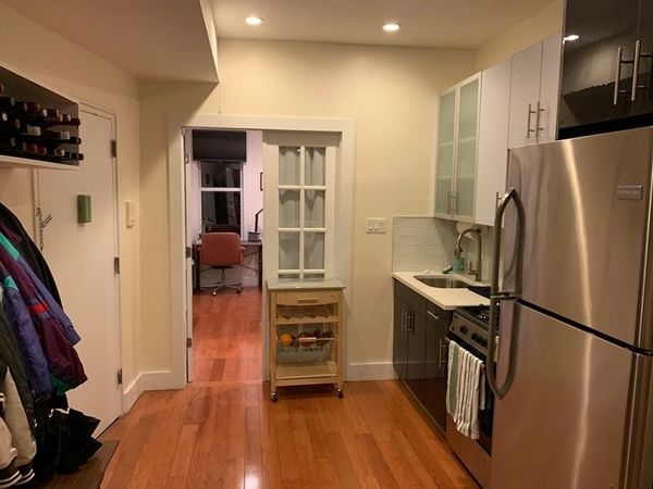 2 Bedrooms, Greenpoint Rental in NYC for $1,650 - Photo 2