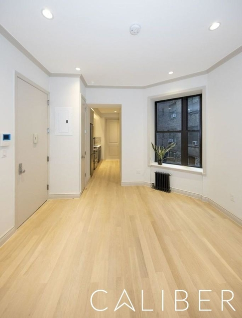 3 Bedrooms, West Village Rental in NYC for $5,917 - Photo 2