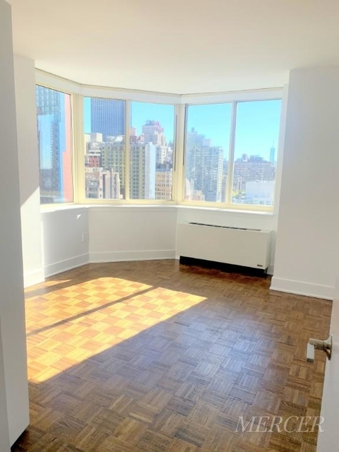 3 Bedrooms, Hell's Kitchen Rental in NYC for $4,750 - Photo 1