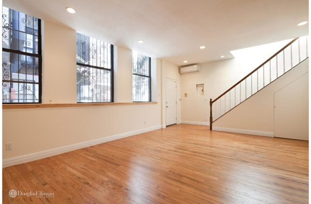 2 Bedrooms, East Village Rental in NYC for $6,999 - Photo 2