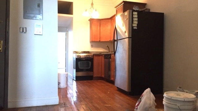 2 Bedrooms, Greenpoint Rental in NYC for $2,700 - Photo 2