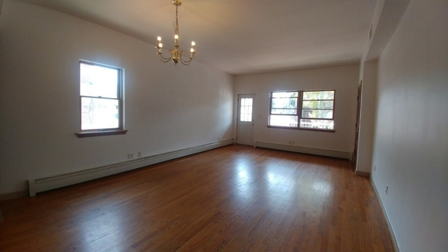 2 Bedrooms, Bensonhurst Rental in NYC for $2,300 - Photo 2