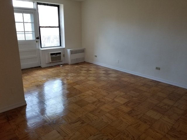 1 Bedroom, Jackson Heights Rental in NYC for $2,100 - Photo 2