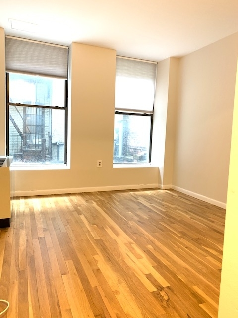 3 Bedrooms, Lincoln Square Rental in NYC for $3,600 - Photo 1