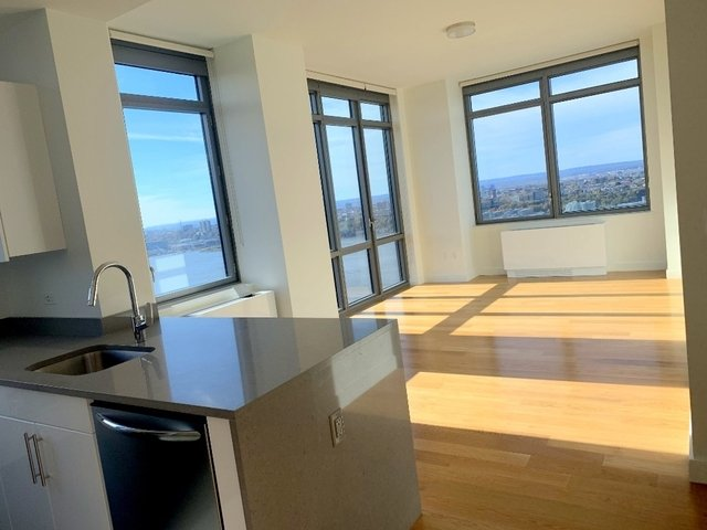 2 Bedrooms, Hell's Kitchen Rental in NYC for $4,774 - Photo 1