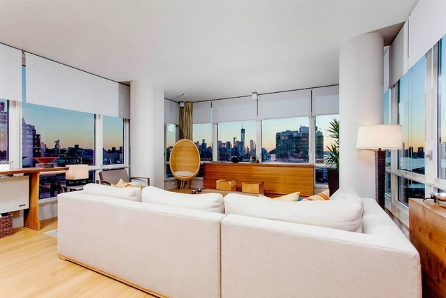 3 Bedrooms, Chelsea Rental in NYC for $18,000 - Photo 2