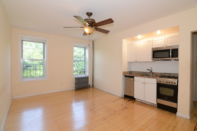 1 Bedroom, Prospect Lefferts Gardens Rental in NYC for $2,492 - Photo 2