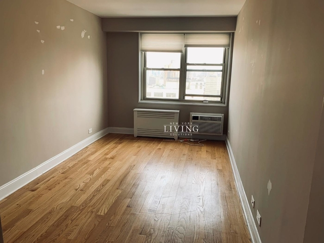 2 Bedrooms, Tribeca Rental in NYC for $5,980 - Photo 2