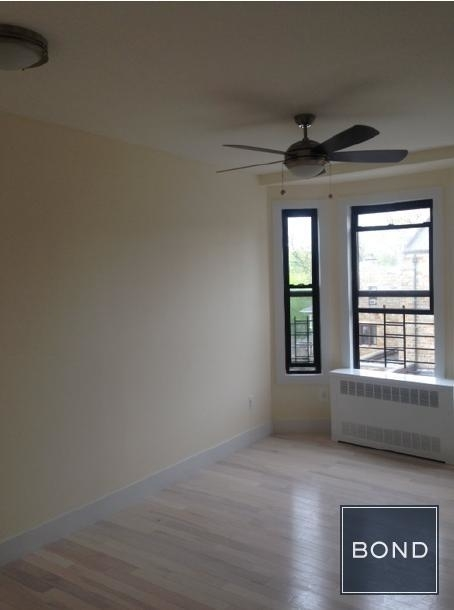 4 Bedrooms, Beverley Square East Rental in NYC for $3,100 - Photo 2
