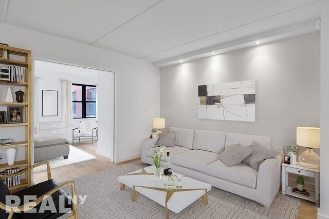 1 Bedroom, Two Bridges Rental in NYC for $3,795 - Photo 2
