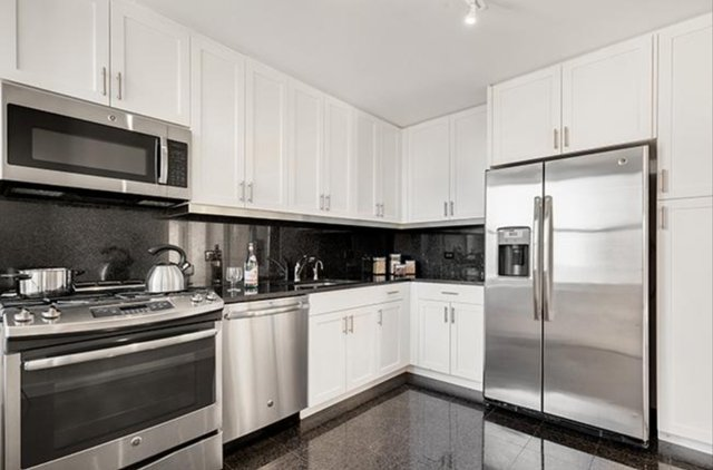 2 Bedrooms, Upper East Side Rental in NYC for $5,859 - Photo 2