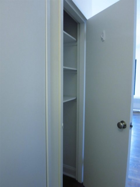 Studio, Yorkville Rental in NYC for $2,175 - Photo 2