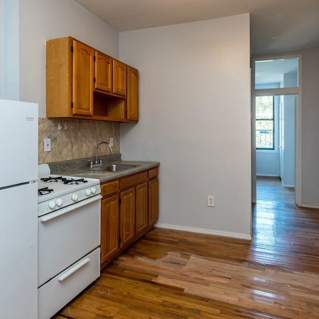 2 Bedrooms, East Williamsburg Rental in NYC for $2,400 - Photo 2