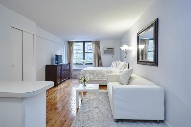 Studio, Gramercy Park Rental in NYC for $2,825 - Photo 2