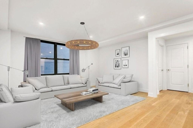 3 Bedrooms, Turtle Bay Rental in NYC for $5,020 - Photo 1