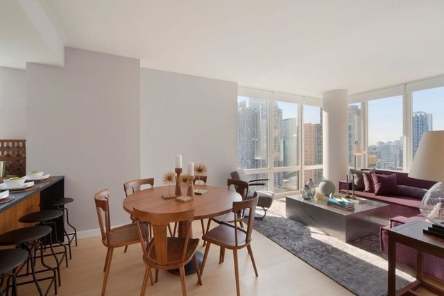 Studio, Hell's Kitchen Rental in NYC for $7,450 - Photo 2