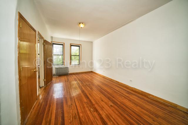 2 Bedrooms, Astoria Rental in NYC for $2,600 - Photo 2