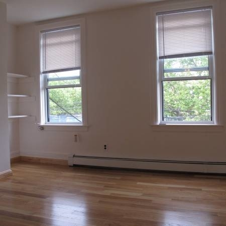2 Bedrooms, Long Island City Rental in NYC for $2,100 - Photo 2