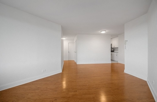 3 Bedrooms, East Harlem Rental in NYC for $4,595 - Photo 2