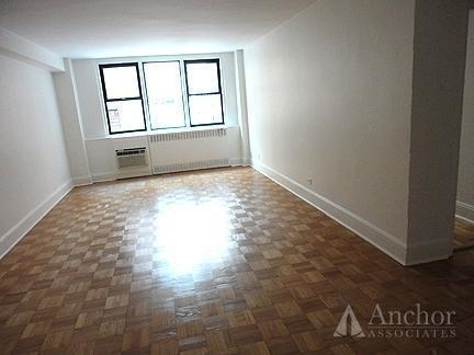 1 Bedroom, Yorkville Rental in NYC for $4,375 - Photo 2