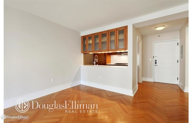 2 Bedrooms, Yorkville Rental in NYC for $8,400 - Photo 2
