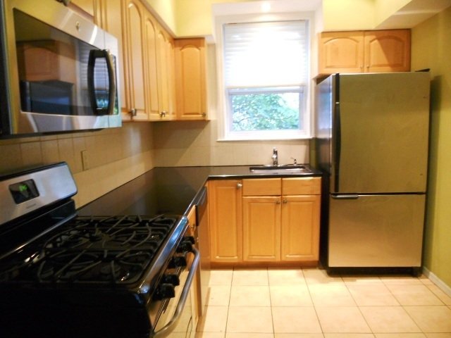 3 Bedrooms, Bay Ridge Rental in NYC for $4,495 - Photo 2