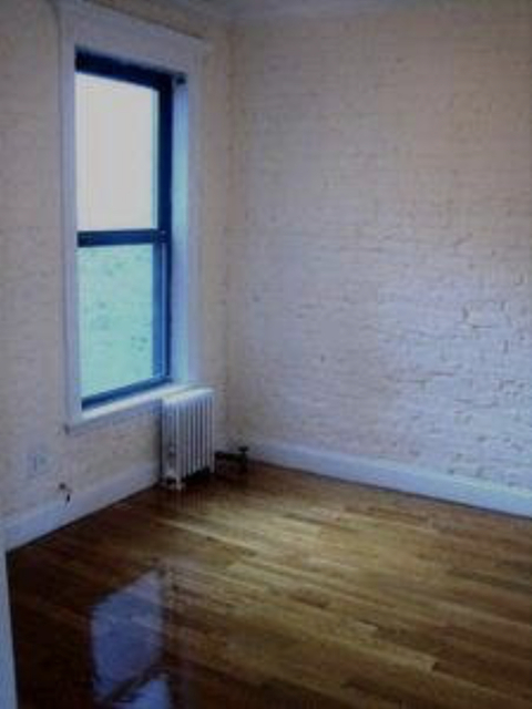 3 Bedrooms, Gramercy Park Rental in NYC for $5,404 - Photo 2