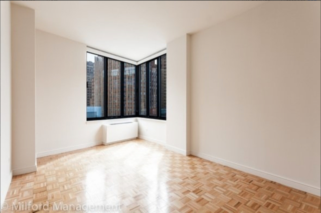 Studio, Battery Park City Rental in NYC for $2,994 - Photo 2