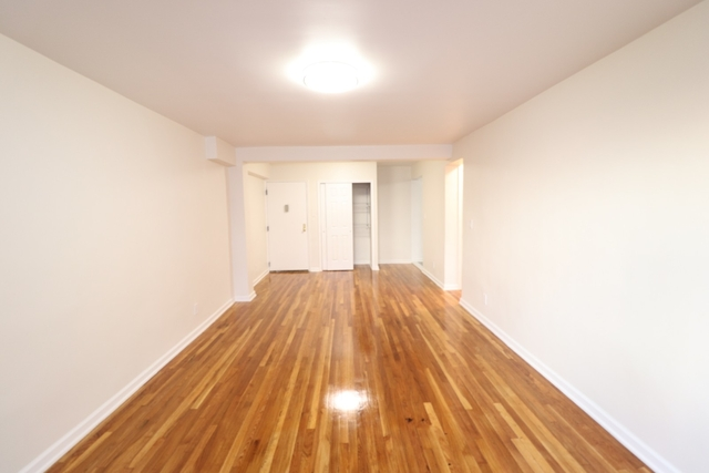 1 Bedroom, Elmhurst Rental in NYC for $1,875 - Photo 2
