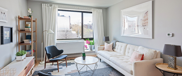 1 Bedroom, Hunters Point Rental in NYC for $2,575 - Photo 1