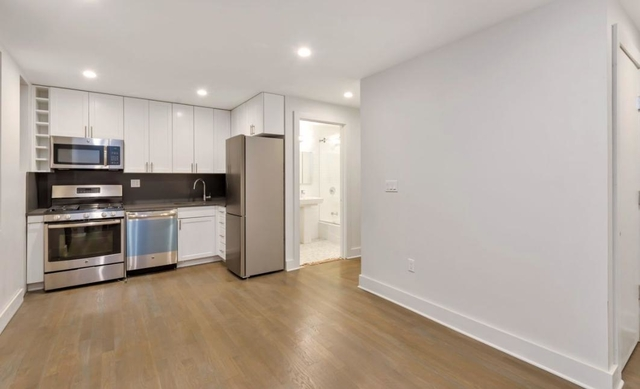2 Bedrooms, Jackson Heights Rental in NYC for $2,750 - Photo 1