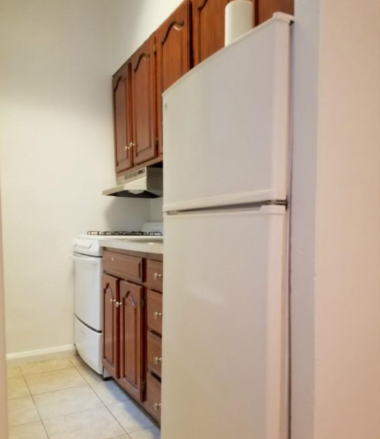 1 Bedroom, Turtle Bay Rental in NYC for $2,725 - Photo 2