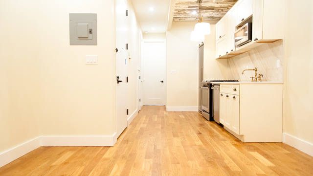 4 Bedrooms, Bushwick Rental in NYC for $4,000 - Photo 1