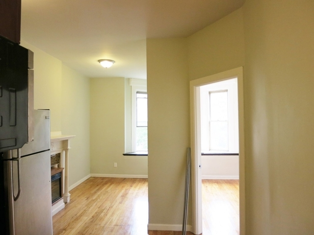 3 Bedrooms, Crown Heights Rental in NYC for $2,675 - Photo 2