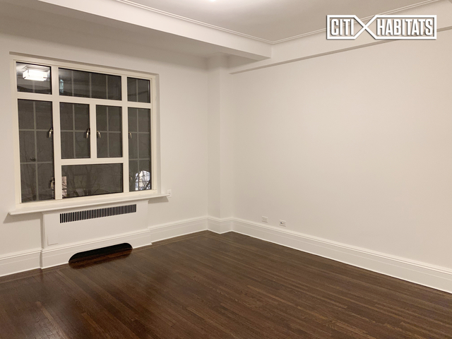 2 Bedrooms, Upper West Side Rental in NYC for $12,750 - Photo 2