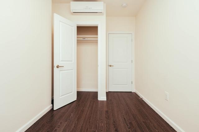 3 Bedrooms, Ridgewood Rental in NYC for $2,800 - Photo 2