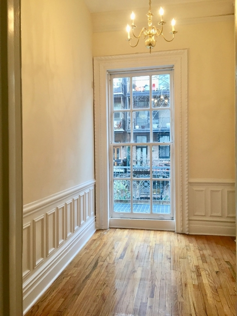 3 Bedrooms, Chelsea Rental in NYC for $8,900 - Photo 2