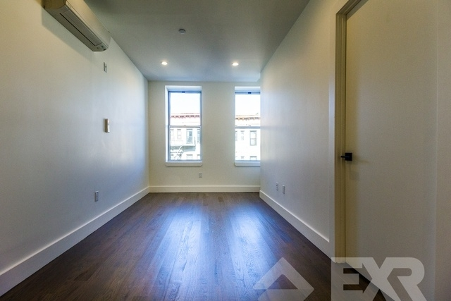 1 Bedroom, Crown Heights Rental in NYC for $2,240 - Photo 2