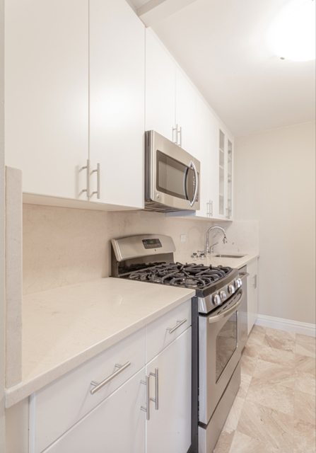 1 Bedroom, Lincoln Square Rental in NYC for $4,499 - Photo 2