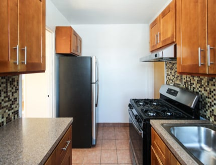 2 Bedrooms, Murray Hill, Queens Rental in NYC for $2,250 - Photo 2
