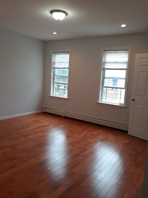 2 Bedrooms, Madison Rental in NYC for $2,100 - Photo 1