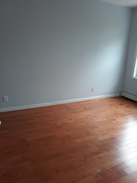 3 Bedrooms, Marine Park Rental in NYC for $2,300 - Photo 2