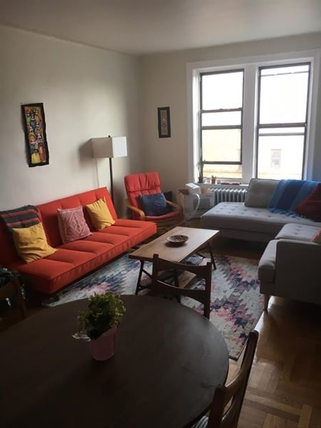 2 Bedrooms, Jackson Heights Rental in NYC for $1,000 - Photo 2