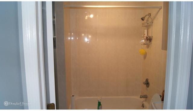 2 Bedrooms, Bensonhurst Rental in NYC for $2,200 - Photo 2