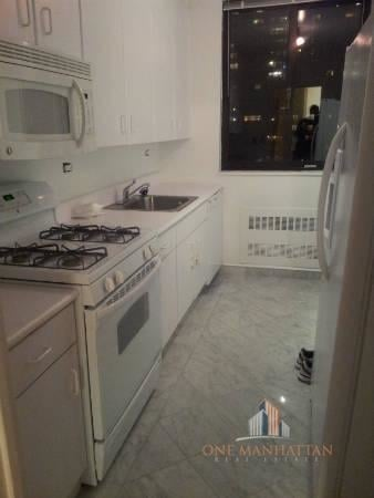 3 Bedrooms, Lincoln Square Rental in NYC for $7,000 - Photo 2