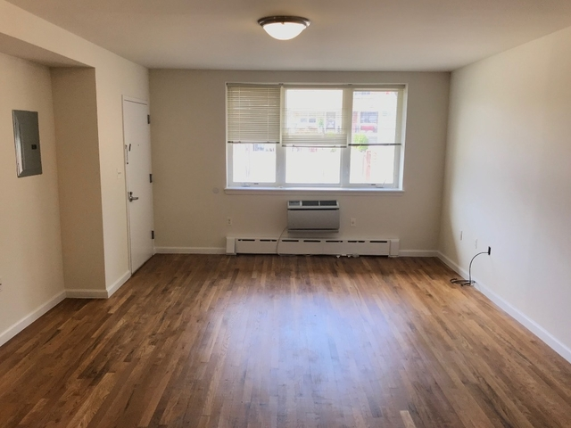 2 Bedrooms, Astoria Heights Rental in NYC for $2,500 - Photo 1
