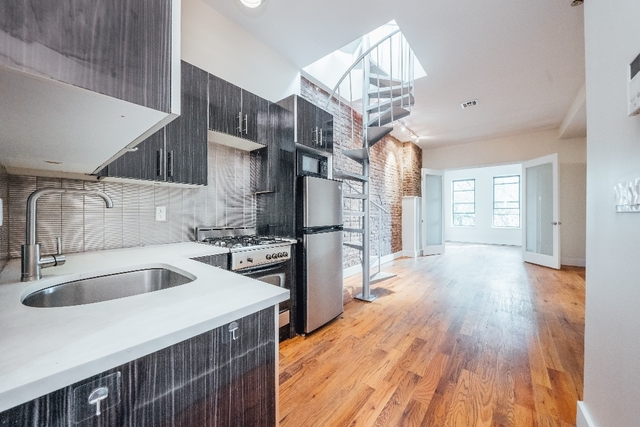3 Bedrooms, Bushwick Rental in NYC for $3,495 - Photo 2